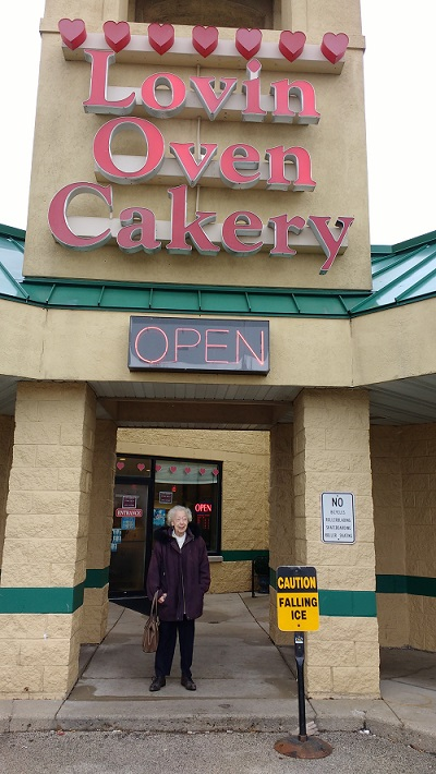Mom and Lovin Oven Cakery Jan 26 2016