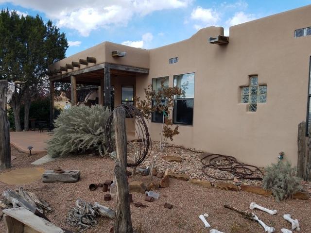 03 backyard of Eldorado NM house (2)